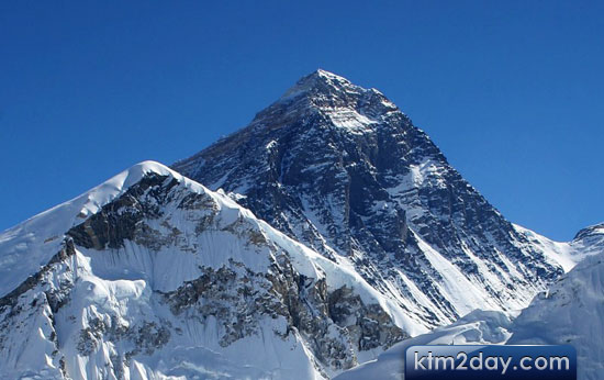 Government fails to exploit Mount Everest economically