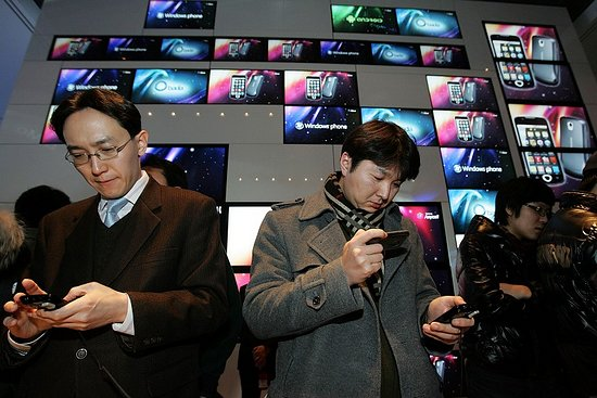 China becomes world's top smartphone producer