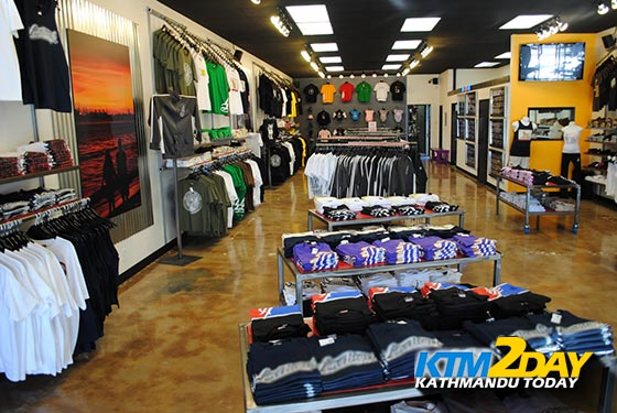 Apparel Stores bring discount offers on summer items